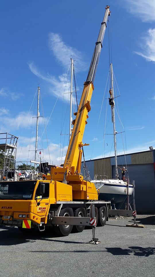 Crane for Mast Repairs